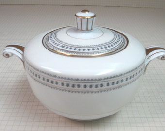 Narumi Occupied Japan Covered Sugar Bowl - Laurel Pattern