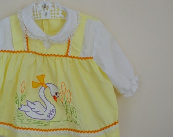 Vintage Yellow Baby Dress / Top with Ric Rack and Swan Applique - Size 6 Months