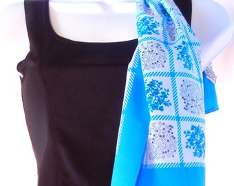 Blue Quilt Design Scarf, Sally Gee, 70s Oblong Floral Scarf, Easy Care, Pioneer Posies Style