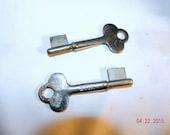 Vintage Keys YALE  metal Free shipping USA