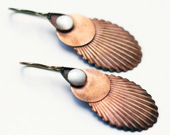 Drop earrings antique French mother of pearl cabochon vintage corrugated brass leaves copper tones Nacre Cuivrée collection by Lucie Tales