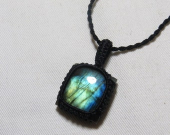 Labradorite - Marcrame Pendant - So Nice Full Flash Fire Squarl shape Pendant - Stone size 24x24 mm Approx