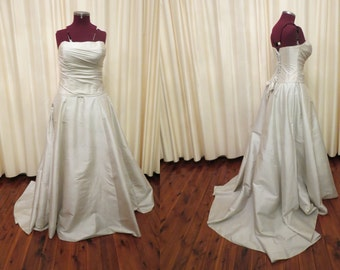 Vintage Grey Off White Silk Strapless Two Piece Corset Bust Princess Skirt With Train Size L Wedding Dress