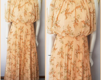 New Old Stock.Vtg 70s Apricot Floral Accordion Pleated Split Flutter Sleeve Dress.XS.Bust 34.Waist 25-26.