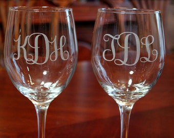 2 Engraved Monogram Wine Glasses, Bridesmaid, Maid of Honor Wine glass, Personalized Wine Glass, Bridal Party Wine Glass, Wedding Wine Glass