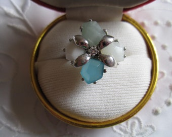 Vintage Silver Tone .925 Ring with Ice Blue, Pale Green, White and Frosted White Gem Stones