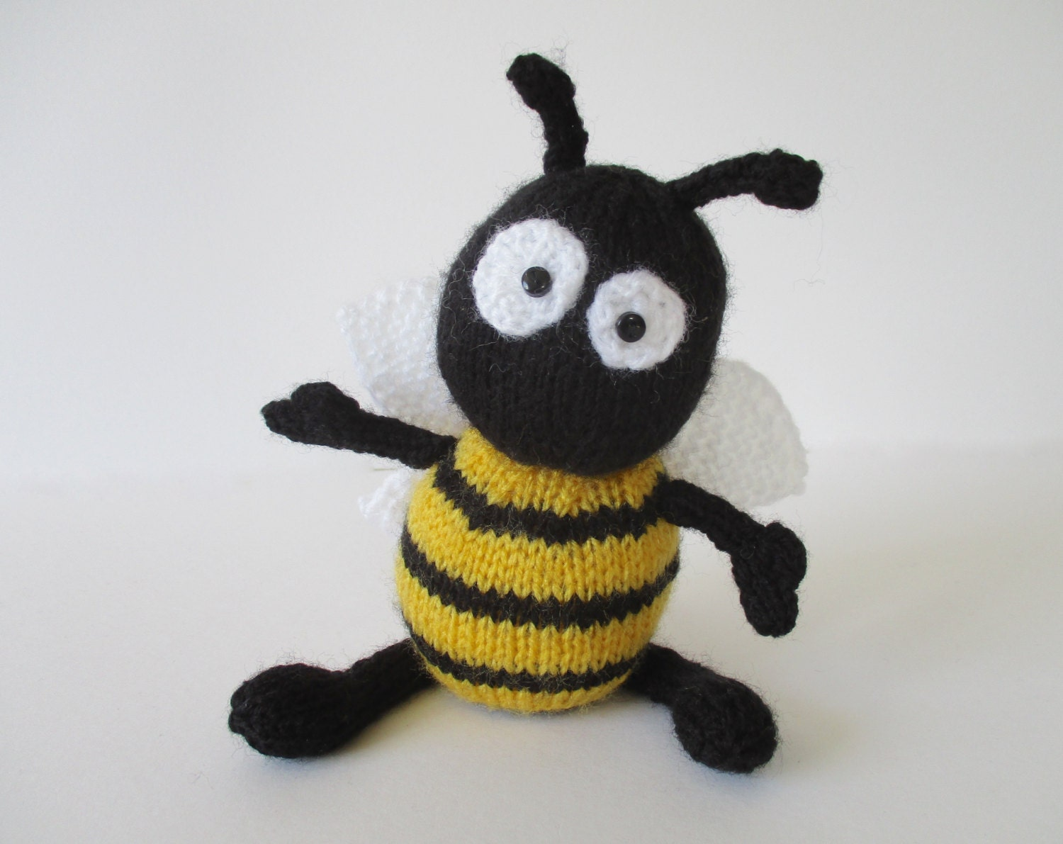 Free Dog Patterns To Knit : Bumble the Bee toy knitting patterns