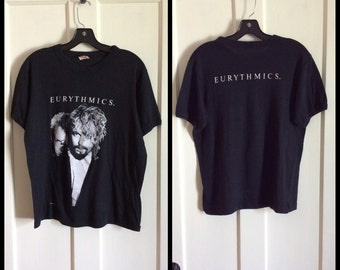 Vintage 1980's the Eurythmics Annie Lennox 1986 T-shirt size XL looks Medium