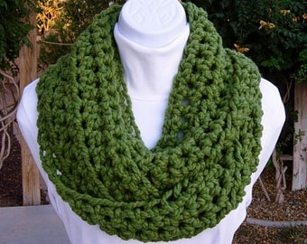Solid Green COWL SCARF Infinity Loop, Bulky Soft Acrylic Wool Blend, Crochet Knit Winter Circle Wrap, Chunky Neck Warmer..Ready to Ship