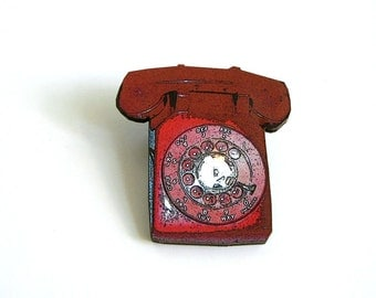 red rotary phone brooch pin . vintage telephone tie tack