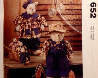 Sewing Pattern Folk Art Stuffed Cat Family Dolls Toys and Clothes 1994 Dress Overalls Kittens Uncut