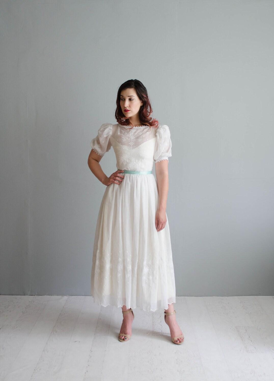 Vintage 1970s Wedding Dress 70s Cotton wedding Gown Into