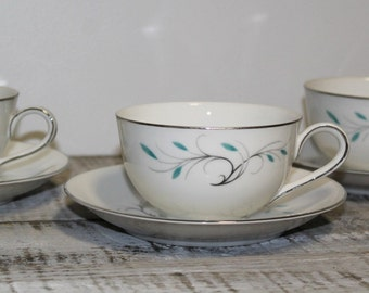 1950's Jeanette Pattern Cups and Saucers, Set of Four.
