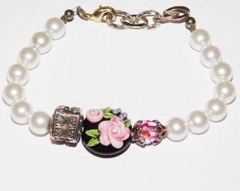Vintage Lampwork Rose Glass beaded bracelet