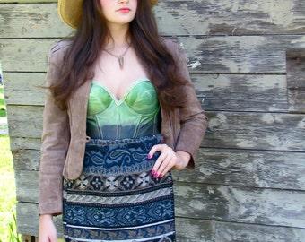 Vintage 1980s WOOLY BLANKET Southwestern Paisley Wrap PRINT Pencil Skirt in Blue