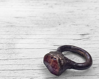 Geometric Plum Ring // Electroformed Faceted Purple Lepidocrocite Copper Ring ( 4 )