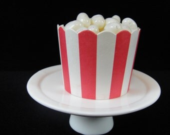 Red and White Vertical Stripe Baking/Candy Cups, Baking Cups, Nut Cups, Candy Cups, Candy Buffet, Weddings, Cupcake Papers - Qty 12