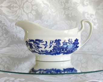 Vintage Blue Willow Gravy Boat Churchill China England