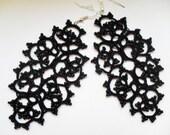 black beaded earrings , tatted lace earrings , frivolitè  , carmentatting, tatting earrings, black earrings