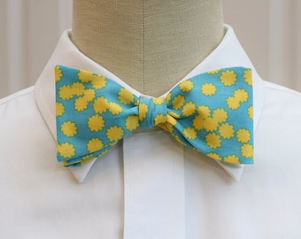 Men's Bow Tie in turquoise with yellow flowers, wedding bow tie, groom bow tie, groomsmen gift, sunshine yellow bow tie, floral bow tie