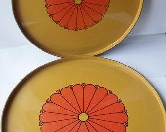 Vintage Mid Century Plastic Nesting Trays-Gold & Black with Orange MOD Flowers