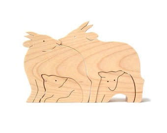 Wood Serow Family, Wooden Animal Figurines, Four Piece Goat Decoration, Simple Wood Animals, Maple