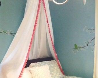 Elegant Pom Trim Canopy