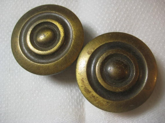 vintage brass drawer cabinet pull knobs antiqued brushed. Black Bedroom Furniture Sets. Home Design Ideas