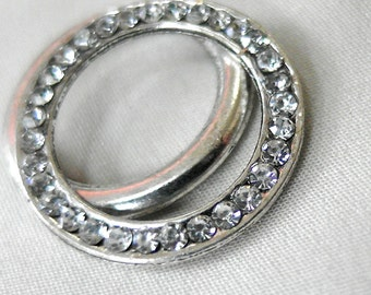 2 Rhinestone Silver Connector Linking Rings, Large Circle, 27mm diameter, 2mm thick, 18mm across inner opening, 2 pieces
