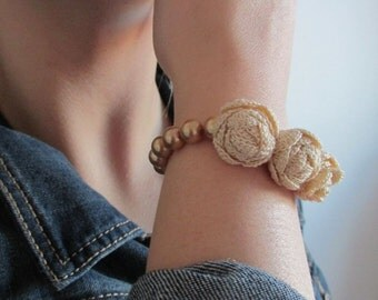 Crocheted Jewelry - Ecru  Rose Crochet Bracelet - Bridesmaids - Floral Bracelet - Hand Crochet