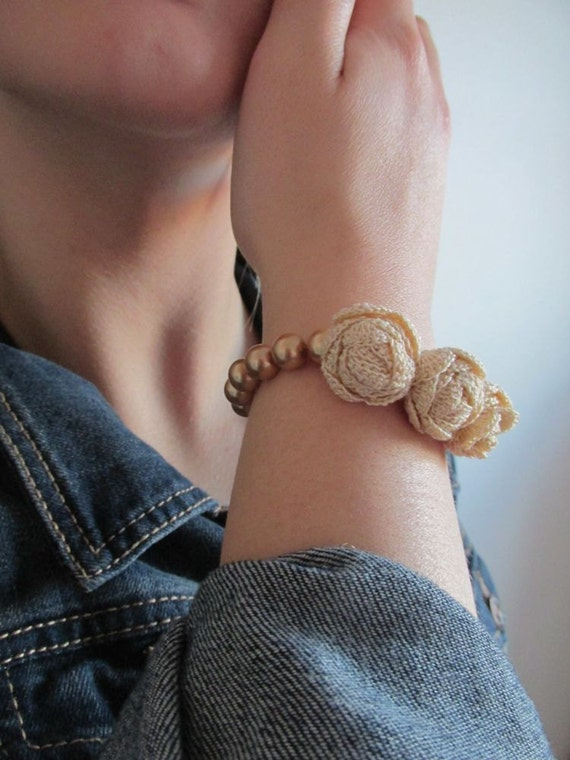 Crocheted Jewelry - Ecru  Rose Crochet Bracelet - Bridesmaids - Floral Bracelet - Hand Crochet