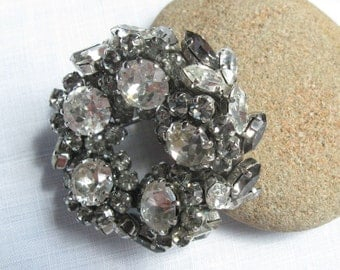 Vintage Schoffel Austrian Crystal Wreath Brooch or pin April birthday not diamond but very bling