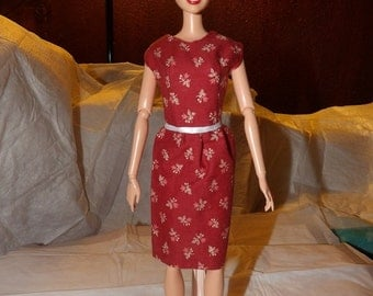 Modest wine colored dress wih printed with tiny pink flowers for Fashion Dolls - ed726