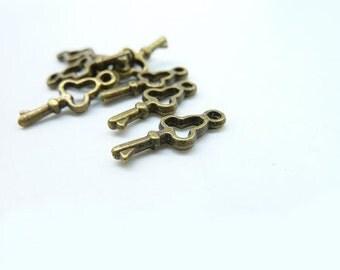 50pcs 7x16mm Antique Bronze Mini Filigree  key Charm Pendant c6741