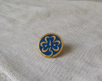 Vintage World Association of Girl Guides and Girls Scouts Memorabilia WAGGGS Emblem Pin 1930
