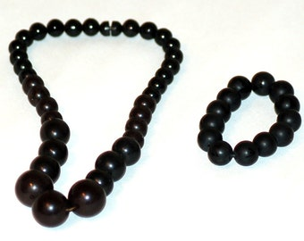Vintage 80's wooden beaded necklace with matching bracelet