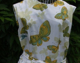 Sweet Vintage  Shirtwaist Dress with Butterflies 1970s