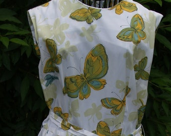 Gorgeous Vintage Shirtwaist Dress with Butterflies 1970s