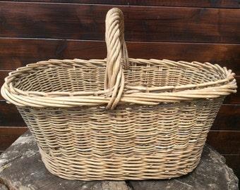 Vintage French shopping farmer apple fruit picking harvesting wicker wood basket circa 1950s / English Shop