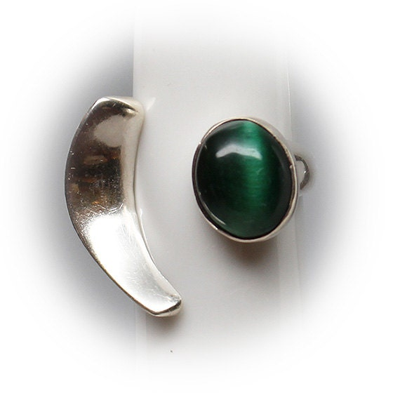 Sterling Silver Ladies Fashion Ring with Green(Chrysoberyl) Cat-eye