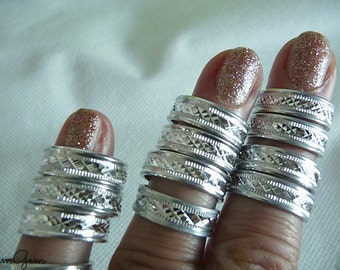 Wide silver ring, size 7.75, silver ring, pattern ring, wide ring band, ring band, wide, silver, silver tone, aluminum rings, wide ring,