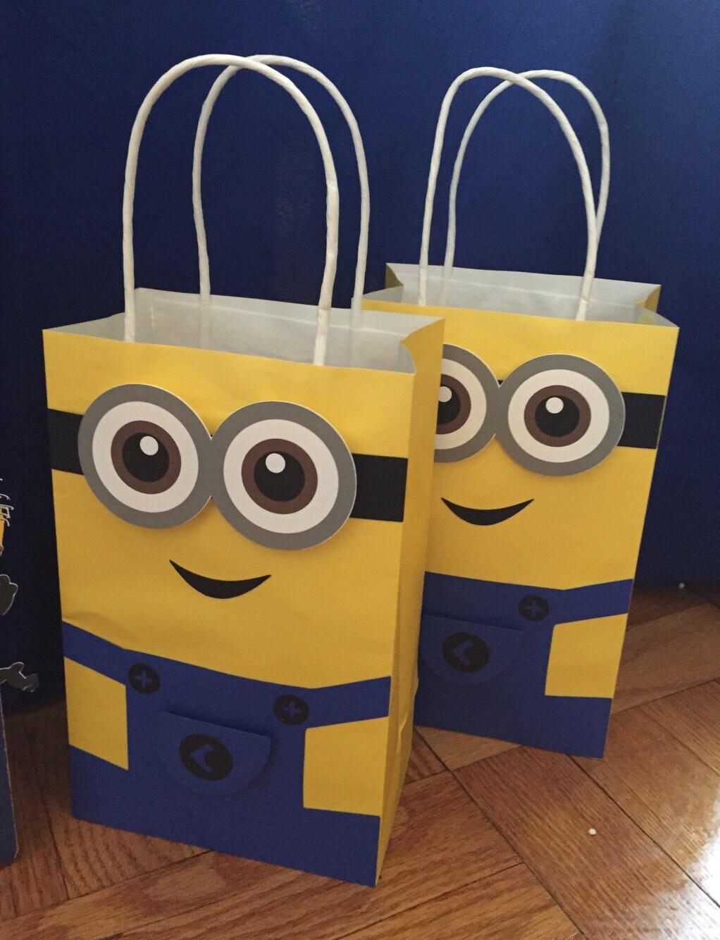 minions favor bag goodie bag candy set of 10. Black Bedroom Furniture Sets. Home Design Ideas