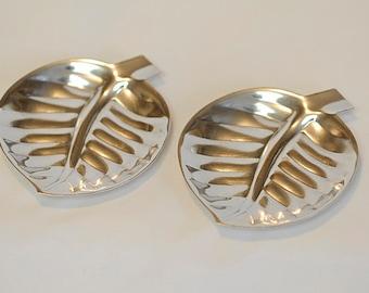 2 Vintage International Silver Company Silverplate #8197 Leaf Trays