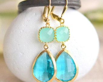 Aquamarine Dangle Earrings in Gold. Aqua Drop Earrings. Bridesmaids Earrings. Gift. Wedding Jewelry. Aqua Dangle Earrings.
