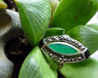 vintage ring, green,black onyx, marcasite southwest, boho style. size 7 3/4