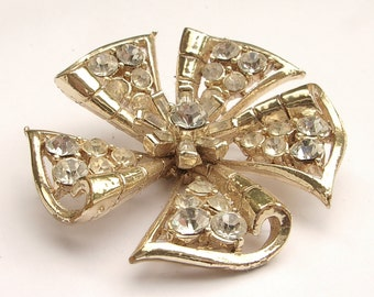 Antique 1940's Coro Pegasus pinwheel brooch pin, Rhinestone brooch, gold enamel brooch, Flower brooch, Antique jewelry, Antique brooch