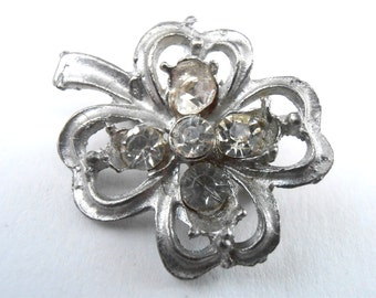 Vintage Four Leaf Clover Silver Tone Brooch Clear Rhinestone Transparent Matte Pin Lucky Charm Hat Scarf Lapel Dress Jewelry Villacollezione