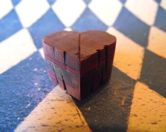 Small Carved Wooden Twisting Gift Heart Sweetheart