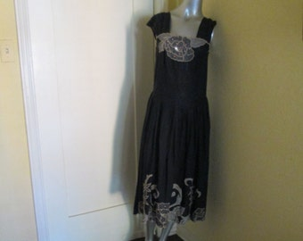 Vintage Embroidered Large Sundress /  Dressy Sundress / Size 12 Dress gorgeous
