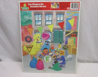 Sesame Street Puzzle 1986, The Shapes On Sesame Street, Muppets, Golden childrens puzzles birthday 1986
